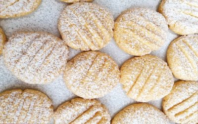 Clover Classic Custard Cream Cookies