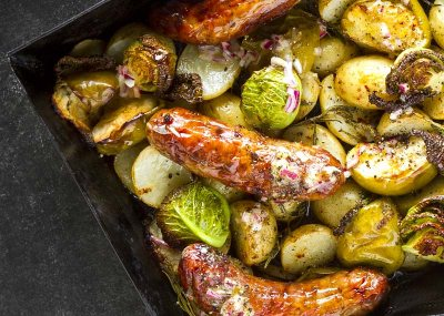 Sausage, cabbage and apple bake