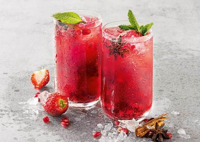 Spiced Christmas Berry and Rose Punch