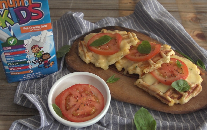 Clover Nutrikids Cheese and tomato waffles