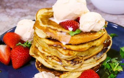 Flapjacks with Fruit and Cream