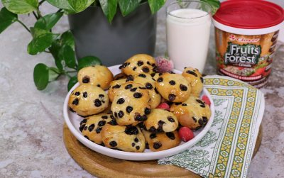 Fruits of the Forest Choc chip cookies